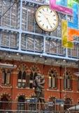 Estación de tren de Londres St Pancras Imágenes de archivo libres de regalías