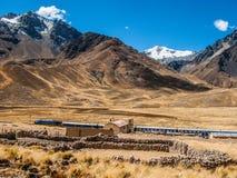 Estación de tren en Abra la Raya en la mucha altitud Foto de archivo libre de regalías