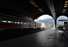 Estación de tren en Italia septentrional Fotos de archivo