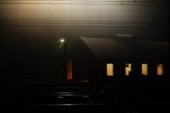 Estación de tren en Kralupy nad Vltavou - repare el pasillo fotografía de archivo