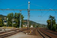 Estación de tren para el pasajero y el transporte de carga fotos de archivo