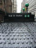 Estación de Wall Street - día lluvioso Imágenes de archivo libres de regalías