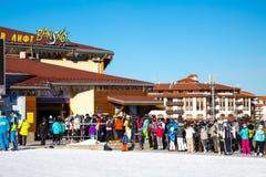Estación del esquí de Bansko, elevación del teleférico, Bulgaria Foto de archivo