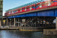Estación del metro del embarcadero amarillo Imágenes de archivo libres de regalías