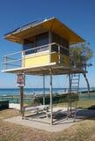 Estación del salvavidas que practica surf Fotos de archivo libres de regalías