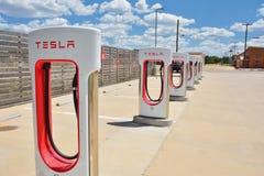 Estación del sobrealimentador de Tesla en el trébol, Tejas Fotos de archivo libres de regalías