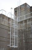 Estación del tratamiento de aguas residuales imagen de archivo