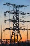 Estación eléctrica de la distribución de la torre Imagen de archivo