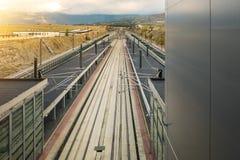 Estación ferroviaria de la plataforma del tren de alta velocidad en España Imagen de archivo libre de regalías