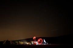 Estación meteorológica en la noche Fotos de archivo