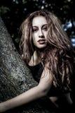 Estación, muchacha romántica de la belleza al aire libre. Dr modelo adolescente hermoso Imagen de archivo
