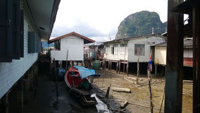 Estación seca en un pueblo en los zancos Fotos de archivo