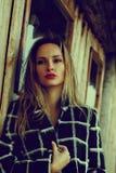 Estación y concepto de la gente - retrato del otoño de la muchacha Mujer al aire libre del retrato de la belleza, modelo de moda, fotografía de archivo libre de regalías