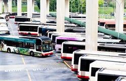 Estación de autobúses del transporte público Foto de archivo libre de regalías