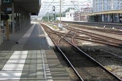 Estación de tren con las vías del interruptor Fotos de archivo