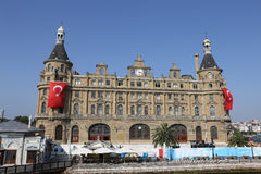 Estación de tren de Haydarpasa en la ciudad de Estambul Fotografía de archivo