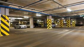 Estacionamento com automóveis diferentes Imagens de Stock Royalty Free