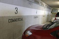 Estacionamento comercial imagem de stock