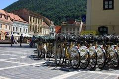 Estacionamento da bicicleta para uma cidade menos poluída Imagens de Stock Royalty Free