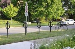 Estacionamento da bicicleta da rua da baixa do Niagara-em--lago na província de Ontário Fotografia de Stock