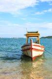 Estacionamento do barco no vertical do mar Foto de Stock Royalty Free