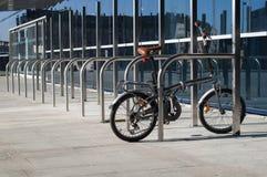 Estacionamento exterior da bicicleta Fotografia de Stock Royalty Free