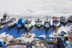 Estacionamento para iate, porto do inverno foto de stock royalty free