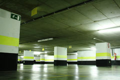 Estacionamento subterrâneo fotos de stock