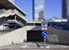 Estacionamento subterrâneo moderno Imagens de Stock