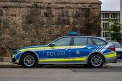 Estacionamiento alemán de BMW del coche policía imágenes de archivo libres de regalías