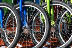 Estacionamiento de la bici foto de archivo libre de regalías