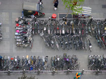 Estacionamiento de la bicicleta Foto de archivo libre de regalías