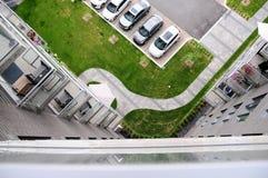 Estacionamiento de la construcción de viviendas Fotografía de archivo libre de regalías