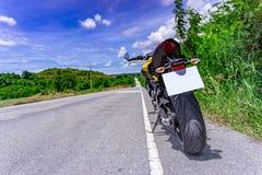 Estacionamiento de la motocicleta Fotografía de archivo libre de regalías