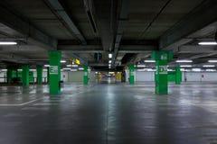 Estacionamiento del `s del coche Imagen de archivo