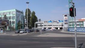 Estacionamiento en la alameda almacen de metraje de vídeo