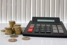 Estadísticas de actividades bancarias o concepto de los ahorros. Foto de archivo libre de regalías