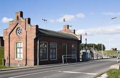 Estada anterior do gerente do fechamento em Zoutkamp, Holanda foto de stock