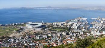 Estadio de fútbol de Ciudad del Cabo en punta verde Imagen de archivo libre de regalías