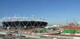 Estadio olímpico y Anish Kapoor |Torre de la órbita Fotos de archivo libres de regalías