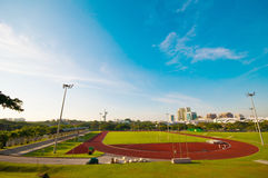 Estadio y pista corriente Fotografía de archivo libre de regalías