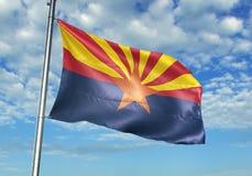 Estado de Arizona de la bandera de Estados Unidos que agita con el cielo en el ejemplo realista 3d del fondo libre illustration