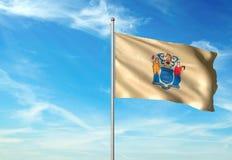 Estado de New Jersey de la bandera de Estados Unidos que agita el ejemplo realista 3d del fondo del cielo azul imagenes de archivo