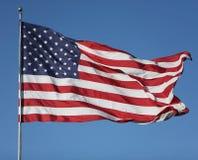 Estados Unidos embandeiram o sopro no vento Fotos de Stock Royalty Free