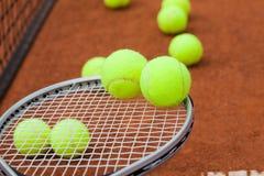 Estafa del deporte, de tenis y bolas Imagen de archivo libre de regalías
