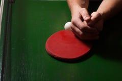 Estafa del ping-pong o de tenis de mesa con la bola, Imagen de archivo