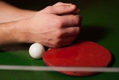 Estafa del ping-pong o de tenis de mesa con la bola, Fotografía de archivo libre de regalías
