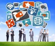 Estafa en línea de la medios medios de la red tecnología social social de Internet Foto de archivo libre de regalías