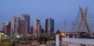 Estaiada Brücken-Sao-Paulo Sonnenuntergang Lizenzfreie Stockbilder
