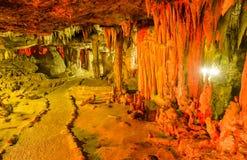 Estalactites da caverna Imagens de Stock Royalty Free